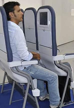 Кресла в самолете low cost
