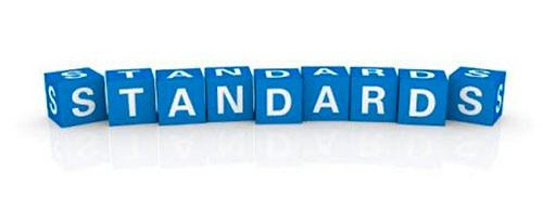 Кубики формируют слово стандарты на английском языке