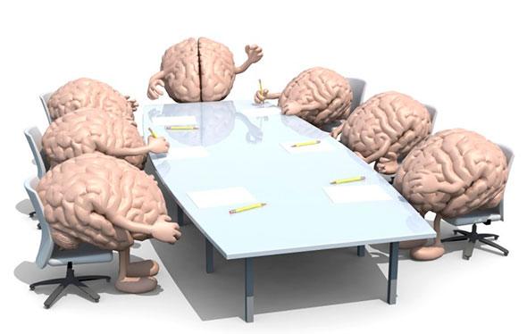 Мозговой штурм за столом (ирония)
