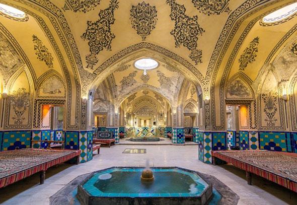 Фонтан внутри турецкой бани