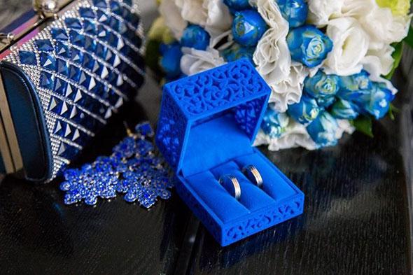 Кольца в синей коробочке