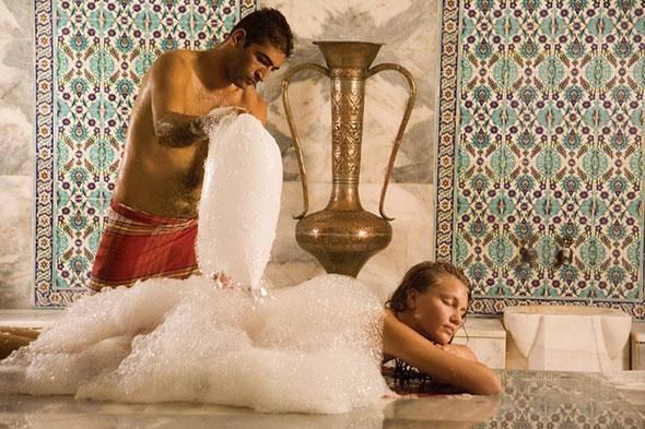 Пена в турецкой бане